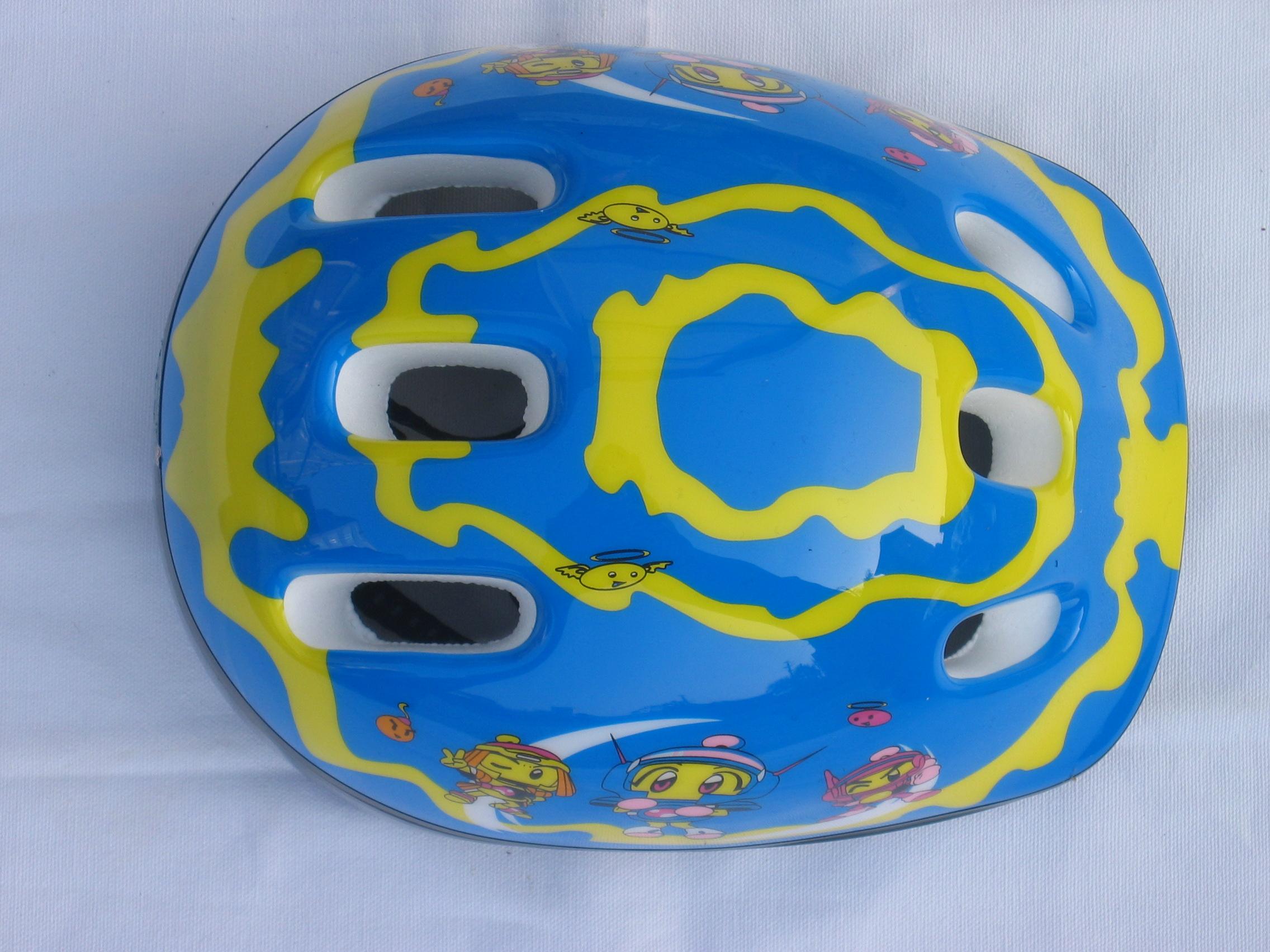 儿童蓝色卡通头盔